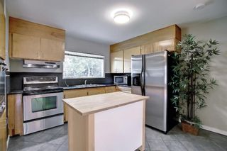 Photo 8: 90 Hounslow Drive NW in Calgary: Highwood Detached for sale : MLS®# A1145127