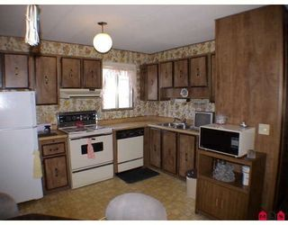 """Photo 2: 159 3665 244TH Street in Langley: Otter District Manufactured Home for sale in """"LANGLEY GROVE ESTATES"""" : MLS®# F2928075"""