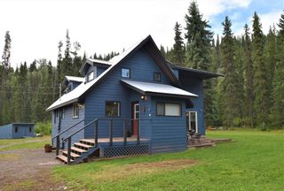 Photo 1: 1225 AVELING COALMINE Road in Smithers: Smithers - Rural House for sale (Smithers And Area (Zone 54))  : MLS®# R2607586