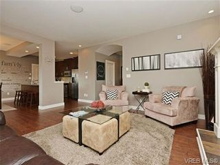 Photo 3: 4050 Copperfield Lane in VICTORIA: SW Glanford House for sale (Saanich West)  : MLS®# 704184