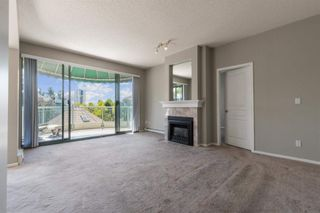 """Photo 2: 408 1745 MARTIN Drive in Surrey: Sunnyside Park Surrey Condo for sale in """"Southwynd"""" (South Surrey White Rock)  : MLS®# R2604162"""