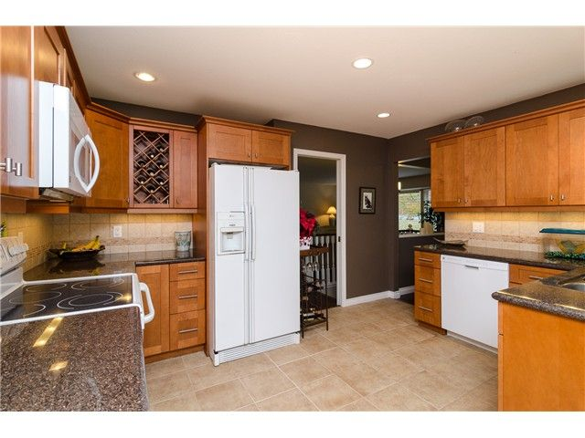 Photo 3: Photos: 6430 CURTIS Street in Burnaby: Parkcrest House for sale (Burnaby North)  : MLS®# V981822