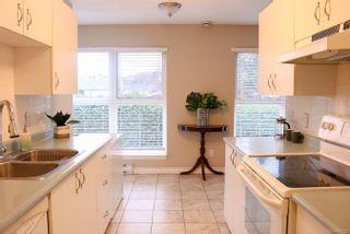 Photo 7: 204 1201 Hillside Ave in : Vi Hillside Condo for sale (Victoria)  : MLS®# 861720
