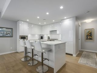"""Photo 6: 910 2888 CAMBIE Street in Vancouver: Fairview VW Condo for sale in """"The Spot"""" (Vancouver West)  : MLS®# R2343734"""