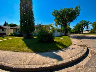 Photo 3: 101 Mayday Crescent: Wetaskiwin House for sale : MLS®# E4253724