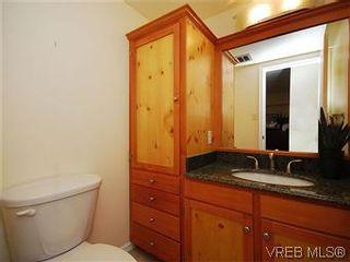 Photo 13: 101 1050 Park Blvd in VICTORIA: Vi Fairfield West Condo for sale (Victoria)  : MLS®# 570311