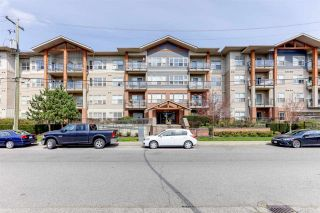 """Photo 22: 106 20219 54A Avenue in Langley: Langley City Condo for sale in """"SUEDE"""" : MLS®# R2561095"""