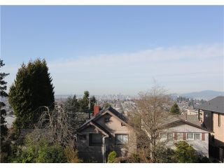 "Photo 17: 128 GLYNDE Avenue in Burnaby: Capitol Hill BN House for sale in ""CAPITOL HILL"" (Burnaby North)  : MLS®# V1052791"