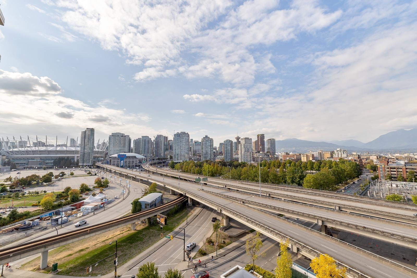 """Main Photo: 1101 125 MILROSS Avenue in Vancouver: Downtown VE Condo for sale in """"Creekside"""" (Vancouver East)  : MLS®# R2617718"""