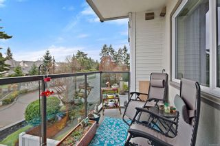 Photo 4: 211 4394 West Saanich Rd in : SW Royal Oak Condo for sale (Saanich West)  : MLS®# 870126