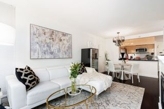 """Photo 6: 202 1033 MARINASIDE Crescent in Vancouver: Yaletown Condo for sale in """"QUAYWEST"""" (Vancouver West)  : MLS®# R2623495"""