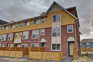 Photo 1: 42 248 Kinniburgh Boulevard: Chestermere Row/Townhouse for sale : MLS®# A1093515