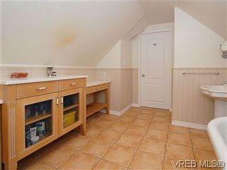 Photo 13: 50 Howe St in VICTORIA: Vi Fairfield West House for sale (Victoria)  : MLS®# 590110