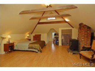 Photo 10: 2222 Shakespeare St in VICTORIA: Vi Fernwood House for sale (Victoria)  : MLS®# 535782