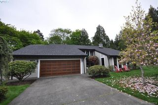 Photo 2: 839 Wavecrest Pl in VICTORIA: SE Broadmead House for sale (Saanich East)  : MLS®# 838161