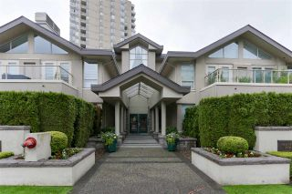 """Photo 2: 103 2202 MARINE Drive in West Vancouver: Dundarave Condo for sale in """"Stratford Court"""" : MLS®# R2465972"""