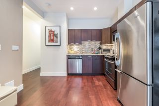 """Photo 5: 109 3382 VIEWMOUNT Drive in Port Moody: Port Moody Centre Townhouse for sale in """"LILLIUM VILLAS"""" : MLS®# R2155402"""