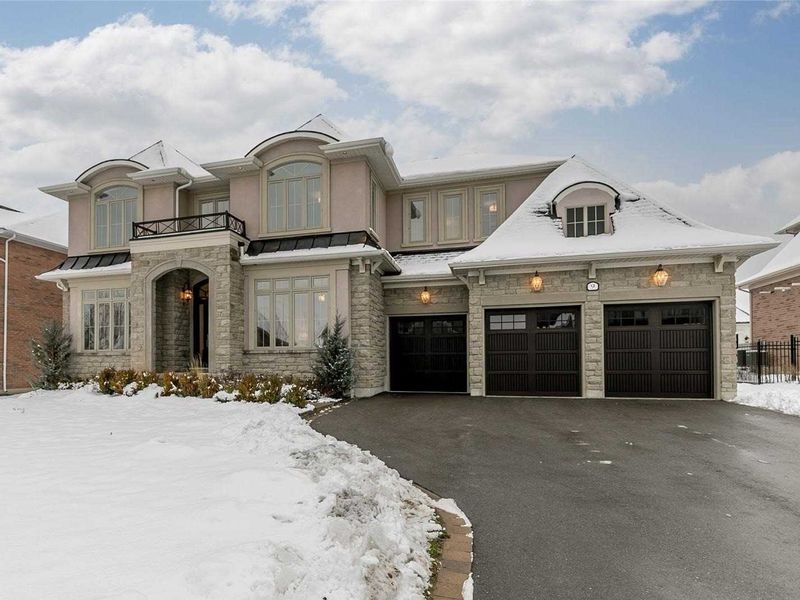 FEATURED LISTING: 9 Country Club Crescent Uxbridge