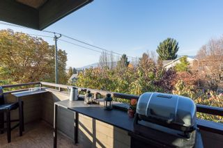 "Photo 2: 309 1516 CHARLES Street in Vancouver: Grandview VE Condo for sale in ""GARDEN TERRACE"" (Vancouver East)  : MLS®# R2320786"