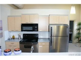 Photo 2: 107 1030 Yates St in VICTORIA: Vi Downtown Condo for sale (Victoria)  : MLS®# 324425