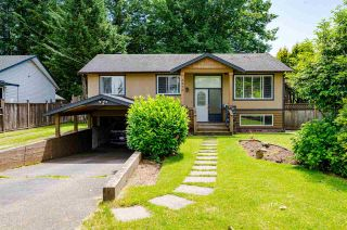 Photo 1: 8870 BARTLETT Street in Langley: Fort Langley House for sale : MLS®# R2591281