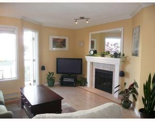 """Photo 3: 203 910 W 8TH Avenue in Vancouver: Fairview VW Condo for sale in """"THE RHAPSODY"""" (Vancouver West)  : MLS®# V765056"""