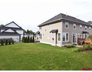 """Photo 10: 6918 179A Street in Surrey: Cloverdale BC Townhouse for sale in """"THE TERRACES AT PROVINCETON"""" (Cloverdale)  : MLS®# F2829713"""