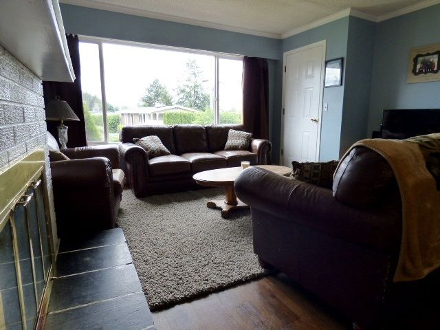 Photo 3: Photos: 2 9622 PAULA Crescent in Chilliwack: Chilliwack E Young-Yale 1/2 Duplex for sale : MLS®# R2078919