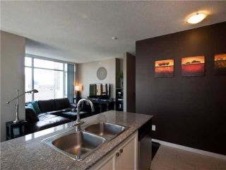 "Photo 3: 1202 480 ROBSON Street in Vancouver: Downtown VW Condo for sale in ""R&R"" (Vancouver West)  : MLS®# V886537"