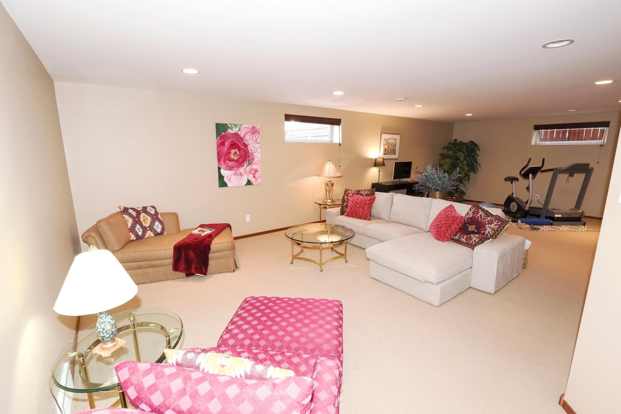 Photo 31: Photos: 7 Castle Ridge Drive in Winnipeg: Linden Ridge Single Family Detached for sale (1M)  : MLS®# 202107901