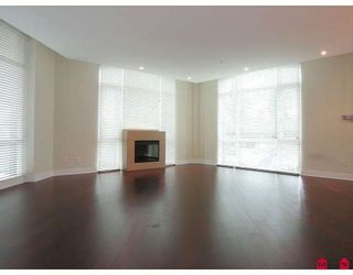"""Photo 3: 204 14824 N BLUFF Road in White_Rock: White Rock Condo for sale in """"BELAIRE"""" (South Surrey White Rock)  : MLS®# F2800783"""