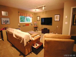 Photo 17: 924 Wendey Dr in VICTORIA: La Walfred House for sale (Langford)  : MLS®# 675974