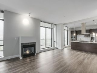 """Photo 9: 2002 2959 GLEN Drive in Coquitlam: North Coquitlam Condo for sale in """"THE PARC"""" : MLS®# R2213475"""
