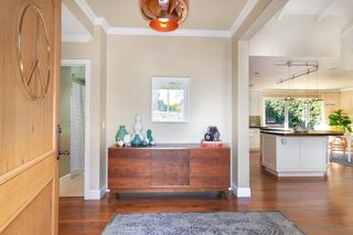 Photo 4: POINT LOMA House for sale : 3 bedrooms : 858 Moana Dr in San Diego