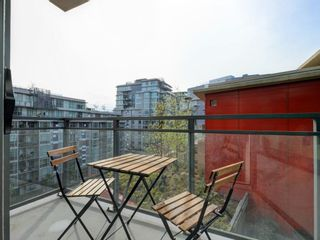 """Photo 18: 807 38 W 1ST Avenue in Vancouver: False Creek Condo for sale in """"THE ONE"""" (Vancouver West)  : MLS®# R2525858"""