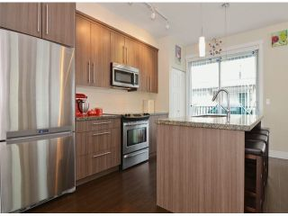 """Photo 3: 86 8250 209B Street in Langley: Willoughby Heights Townhouse for sale in """"OUTLOOK"""" : MLS®# F1404078"""