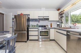 Photo 14: 2809 EDGEMONT BOULEVARD in NORTH VANC: Edgemont House for sale (North Vancouver)  : MLS®# R2002414