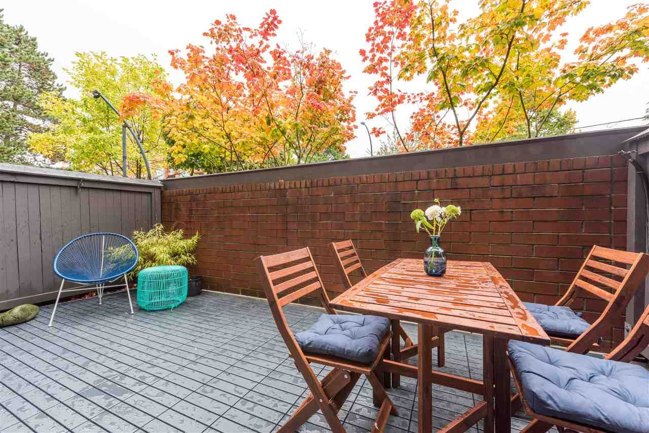 """Main Photo: 106 555 W 14TH Avenue in Vancouver: Fairview VW Condo for sale in """"CAMBRIDGE PLACE"""" (Vancouver West)  : MLS®# R2216351"""
