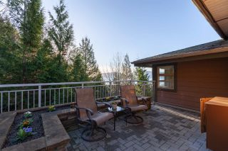"""Photo 18: 8609 SEASCAPE Place in West Vancouver: Howe Sound 1/2 Duplex for sale in """"Seascapes"""" : MLS®# R2528203"""