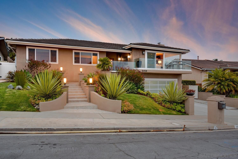 Main Photo: LA JOLLA House for sale : 5 bedrooms : 5459 Moonlight Lane