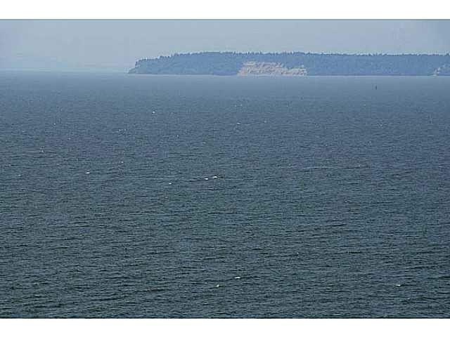 Main Photo: 1673 OCEAN PARK ROAD in : Crescent Bch Ocean Pk. House for sale : MLS®# R2300975