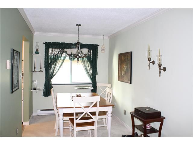 """Photo 4: Photos: 11654 KINGSBRIDGE Drive in Richmond: Ironwood Townhouse for sale in """"KINGSWOOD DOWNES"""" : MLS®# V932492"""