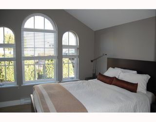 """Photo 5: 906 W 13TH Avenue in Vancouver: Fairview VW Townhouse for sale in """"THE BROWNSTONE"""" (Vancouver West)  : MLS®# V812417"""