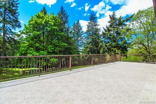 Photo 3: 425 Sparton Rd in VICTORIA: SW Prospect Lake House for sale (Saanich West)  : MLS®# 839475