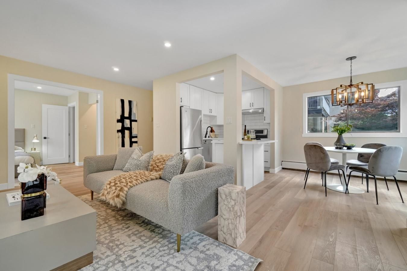 """Main Photo: 206 330 W 2ND Street in North Vancouver: Lower Lonsdale Condo for sale in """"LORRAINE PLACE"""" : MLS®# R2604160"""