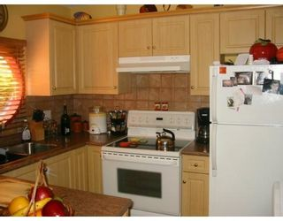 Photo 4: 4129 BRIDGEWATER CR in Burnaby: CA Cariboo Condo for sale (Burnaby North)  : MLS®# V591663
