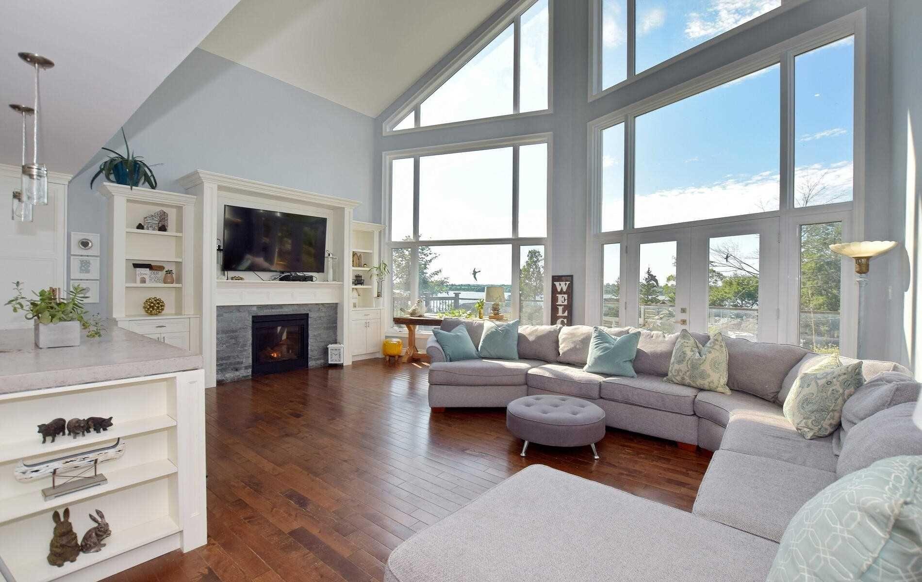 Main Photo: 555 Fralicks Beach Road in Scugog: Rural Scugog House (3-Storey) for sale : MLS®# E5290598