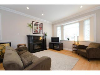 """Photo 2: 1938 ADANAC Street in Vancouver: Hastings 1/2 Duplex for sale in """"COMMERCIAL DRIVE"""" (Vancouver East)  : MLS®# V887660"""