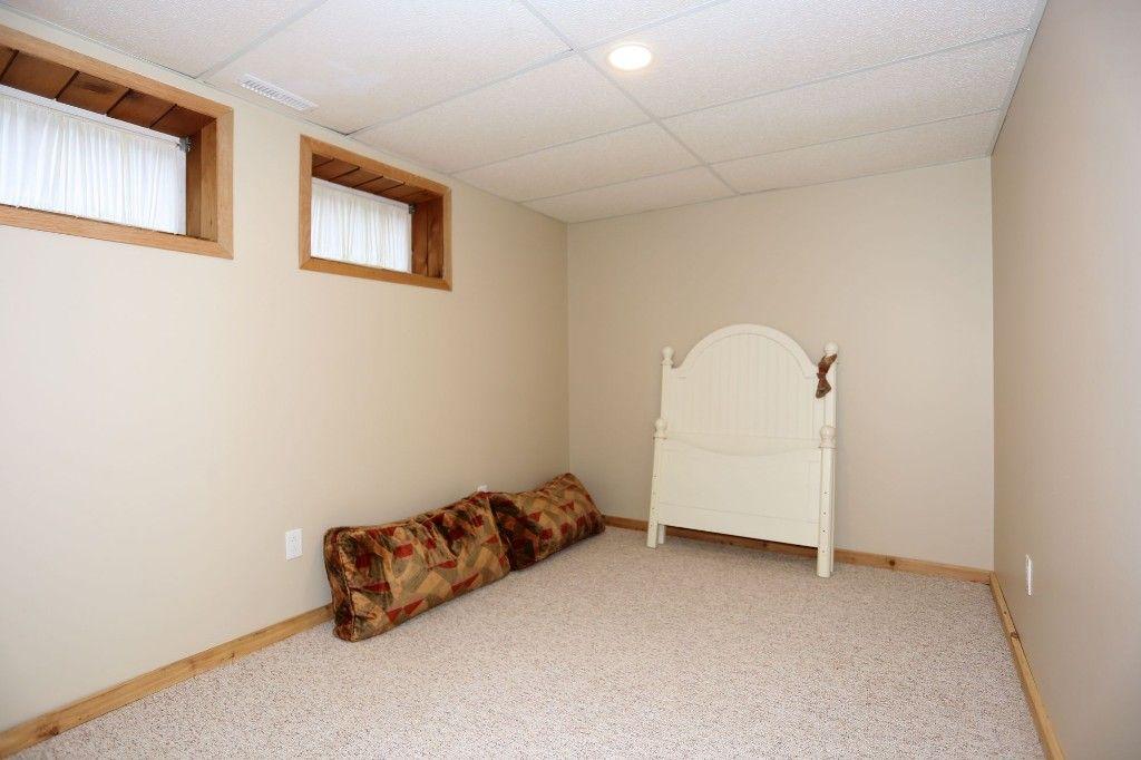 Photo 28: Photos: 306 Wildwood Park in Winnipeg: Wildwood Single Family Detached for sale (1J)  : MLS®# 1728410