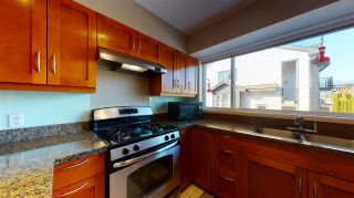 """Photo 5: 4 1261 MAIN Street in Squamish: Downtown SQ Townhouse for sale in """"SKYE - COASTAL VILLAGE"""" : MLS®# R2457475"""